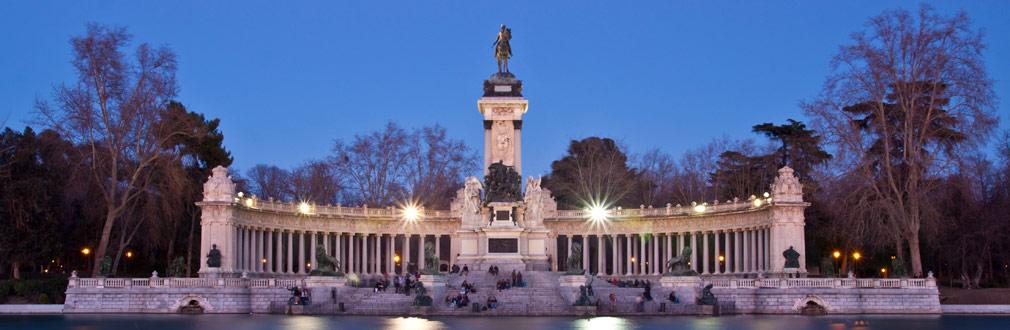 <h2>Opplevelsesreiser</h2> <p>Reisemål for de som ønsker en opplevelse av historie, fantastiske bygninger og sightseeing på ferien sin. Reis til St. Petersburg, Praha, Madrid og mer</p>